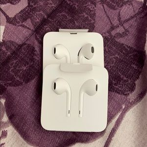 TWO Apple EarPods with Lightning Connector